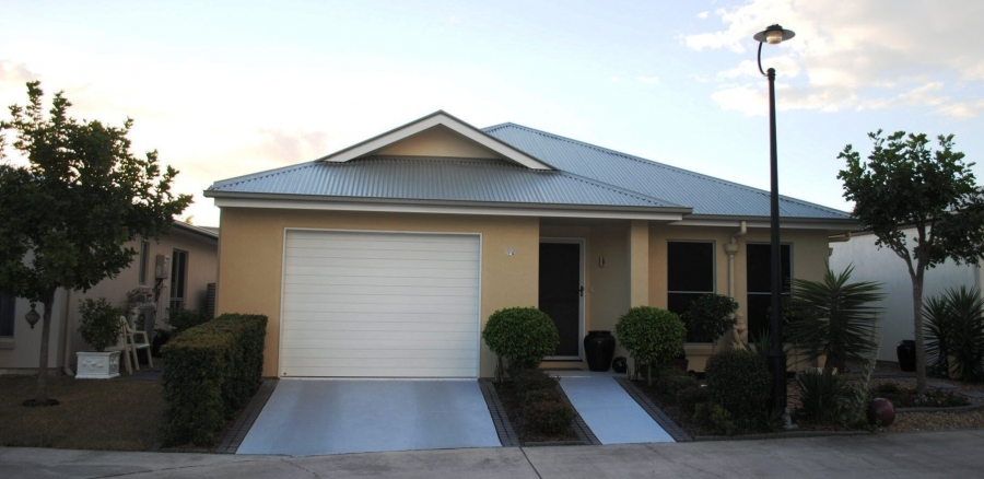 Street view and villa's. Island Breeze Resort image gallery - Bribie Island residential over 50s