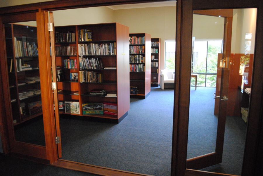 Recreational center - Library. Island Breeze Resort image gallery - Bribie Island residential over 50s